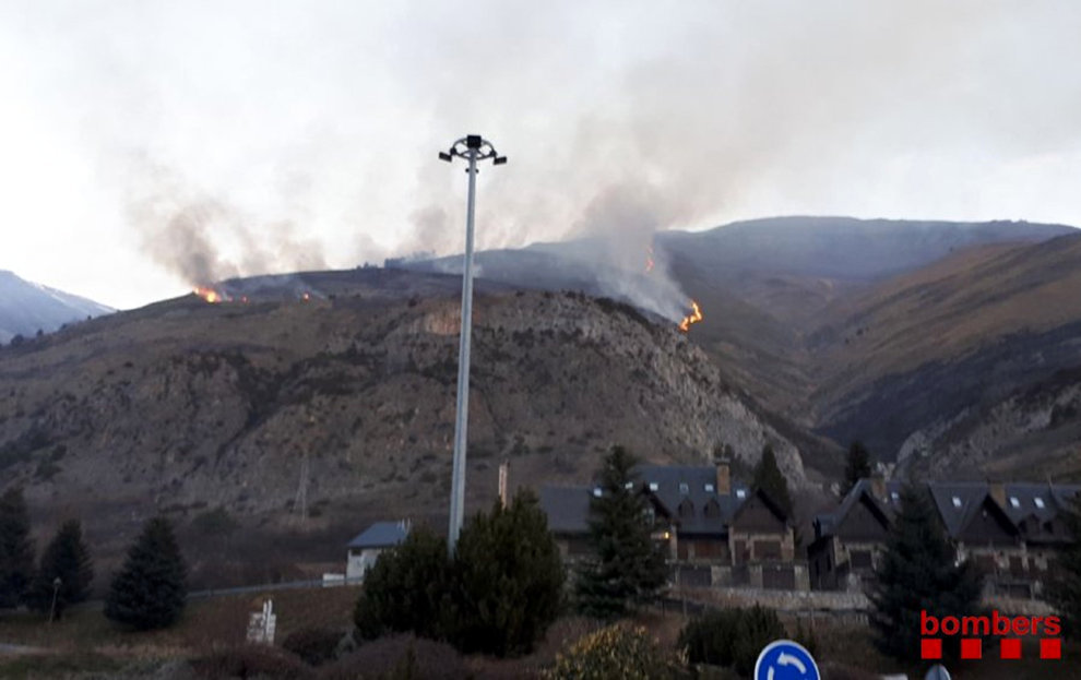 Incendi a Arties/Bombers